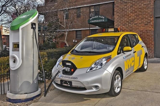 Nissan Leaf - мировой лидер подаж среди электромобилей